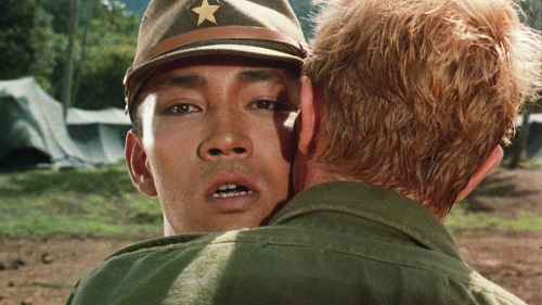 045 Merry Christmas Mr Lawrence Kiss